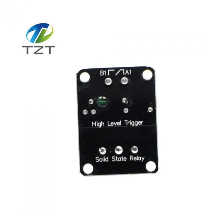 ด้านหลังจะเห็นสัญลักษณ์ขั้วไฟและหน้า Contact ทาง Output ให้ใช้งานชัดเจน